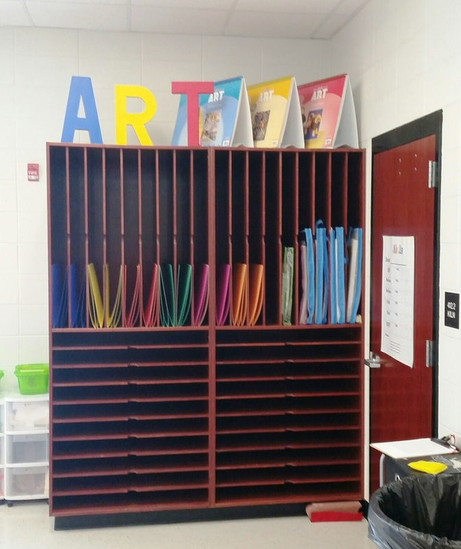 Art dry station in the LES art room.