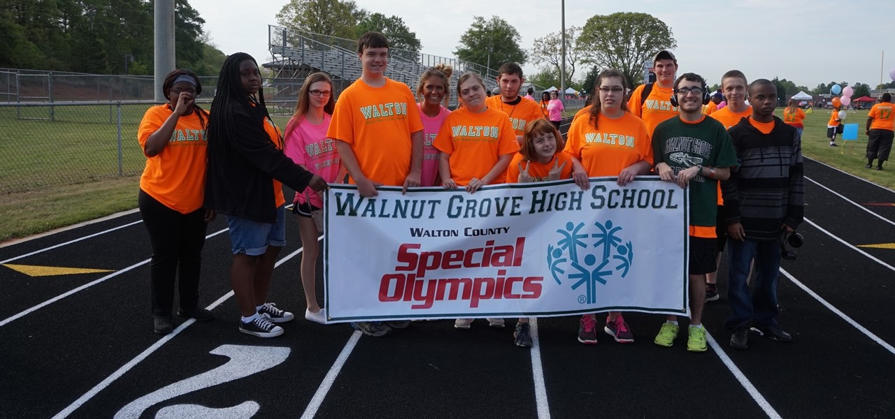 Walnut Grove High School students at the Special Olympics.