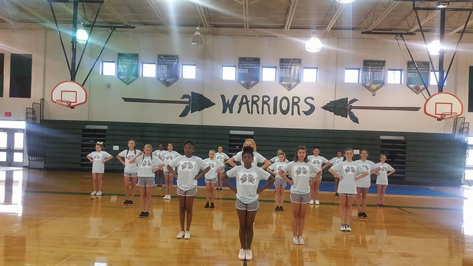 YMS Cheerleaders Practicing at Camp