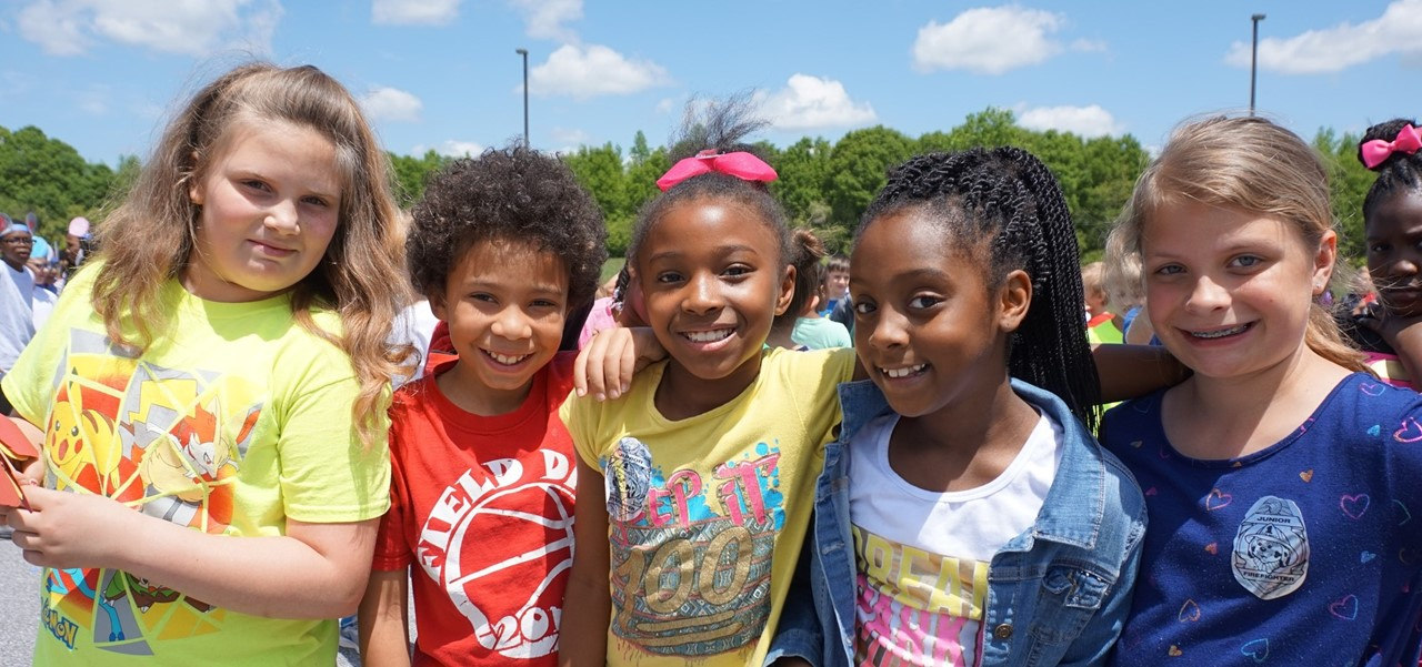students at HES mini-Relay for Life