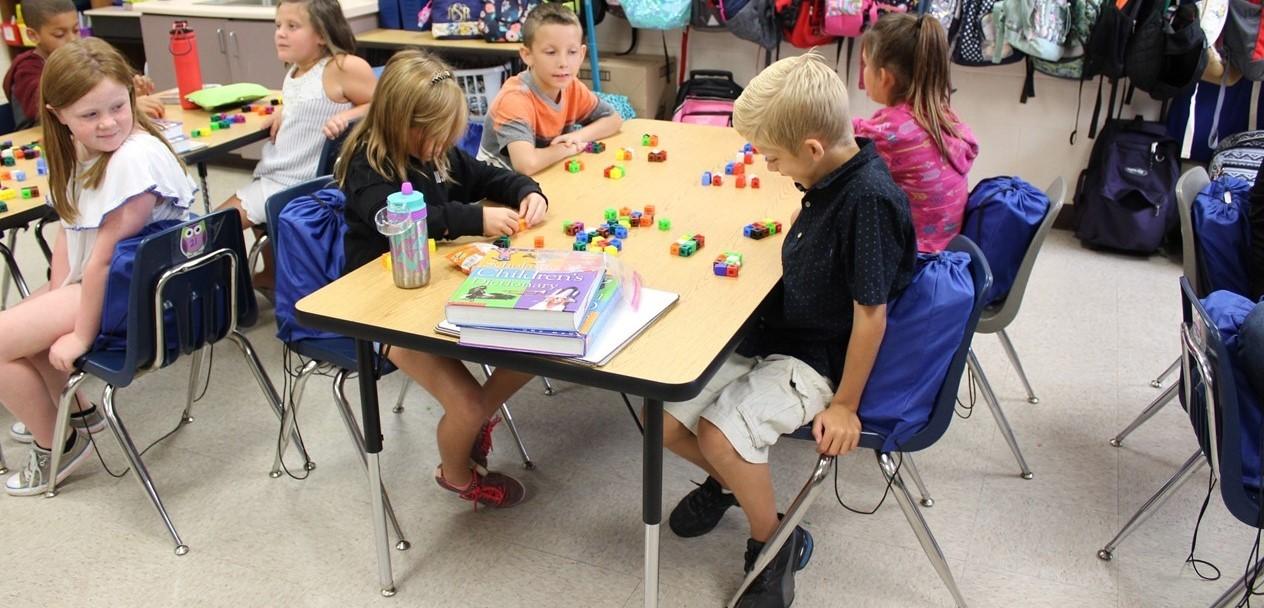 Making groups in third grade.